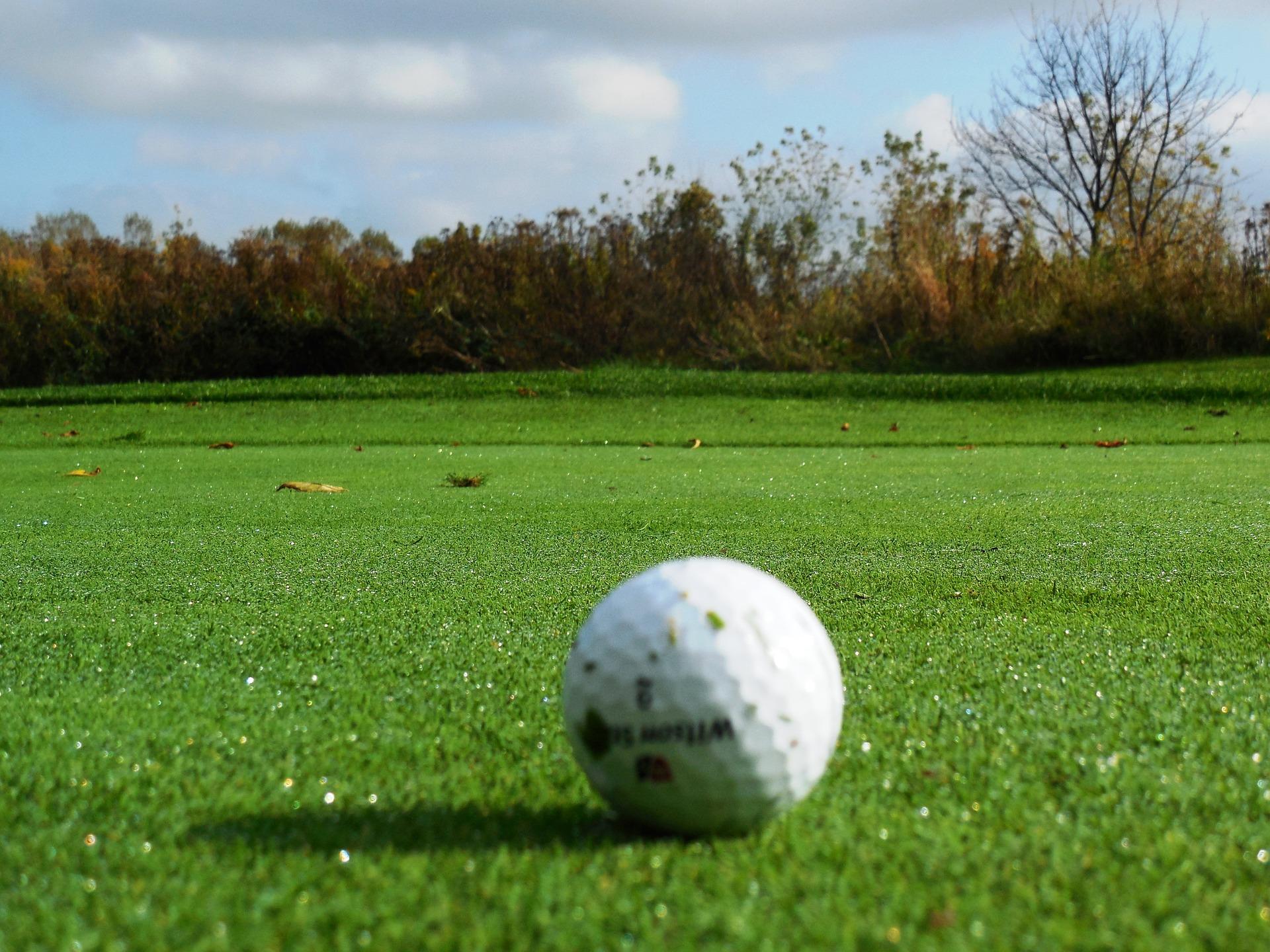 ゴルフ場で活躍する無線